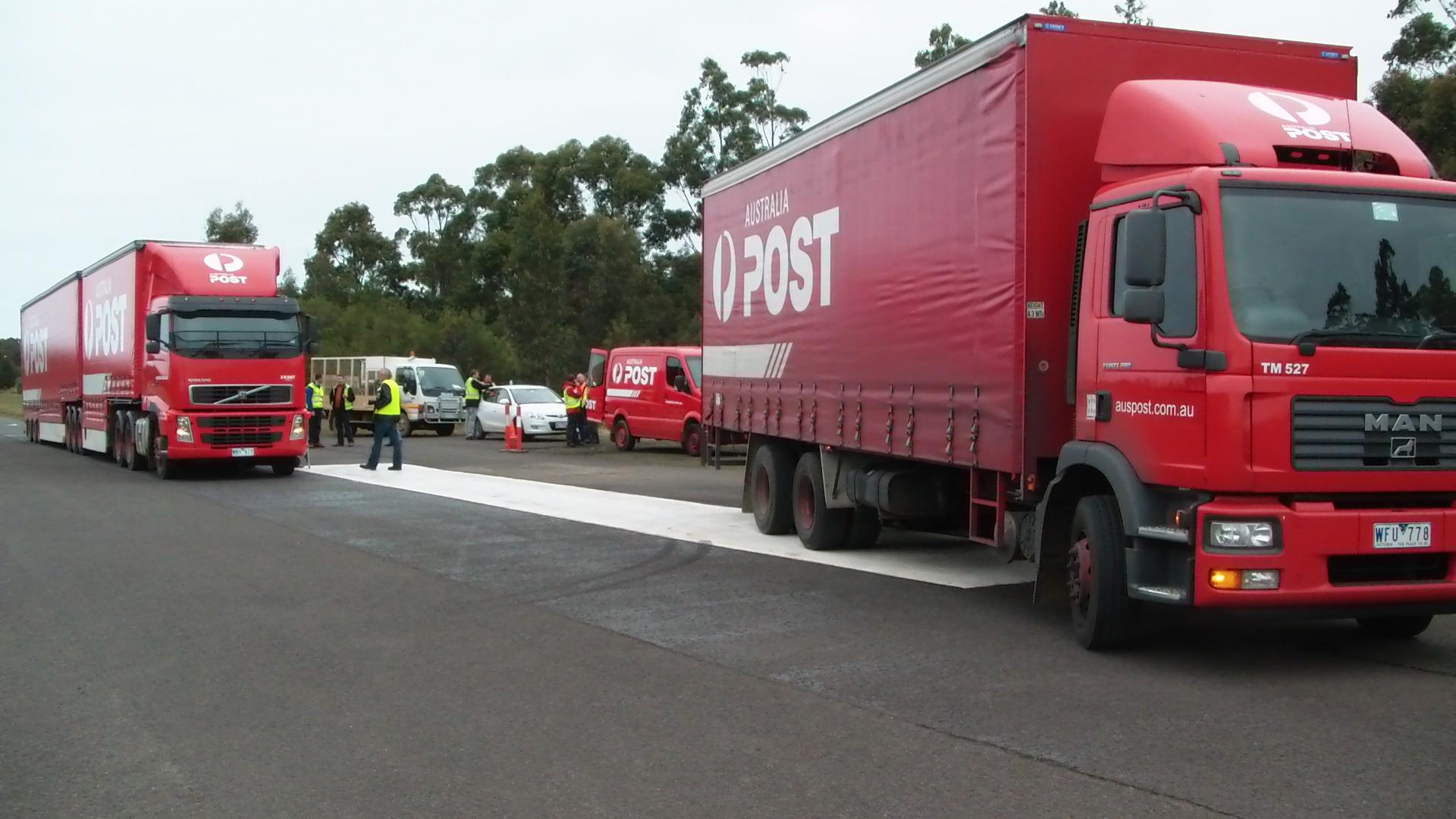 Australia Post - Genesis Now trials of articulated and rigid trucks